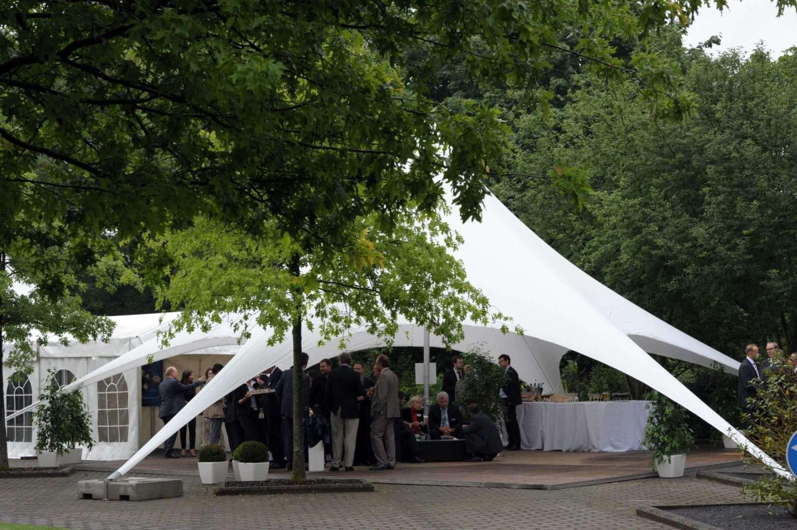 25-ans-euroscript-2009-projet-chapiteau-extérieur-luxembourg