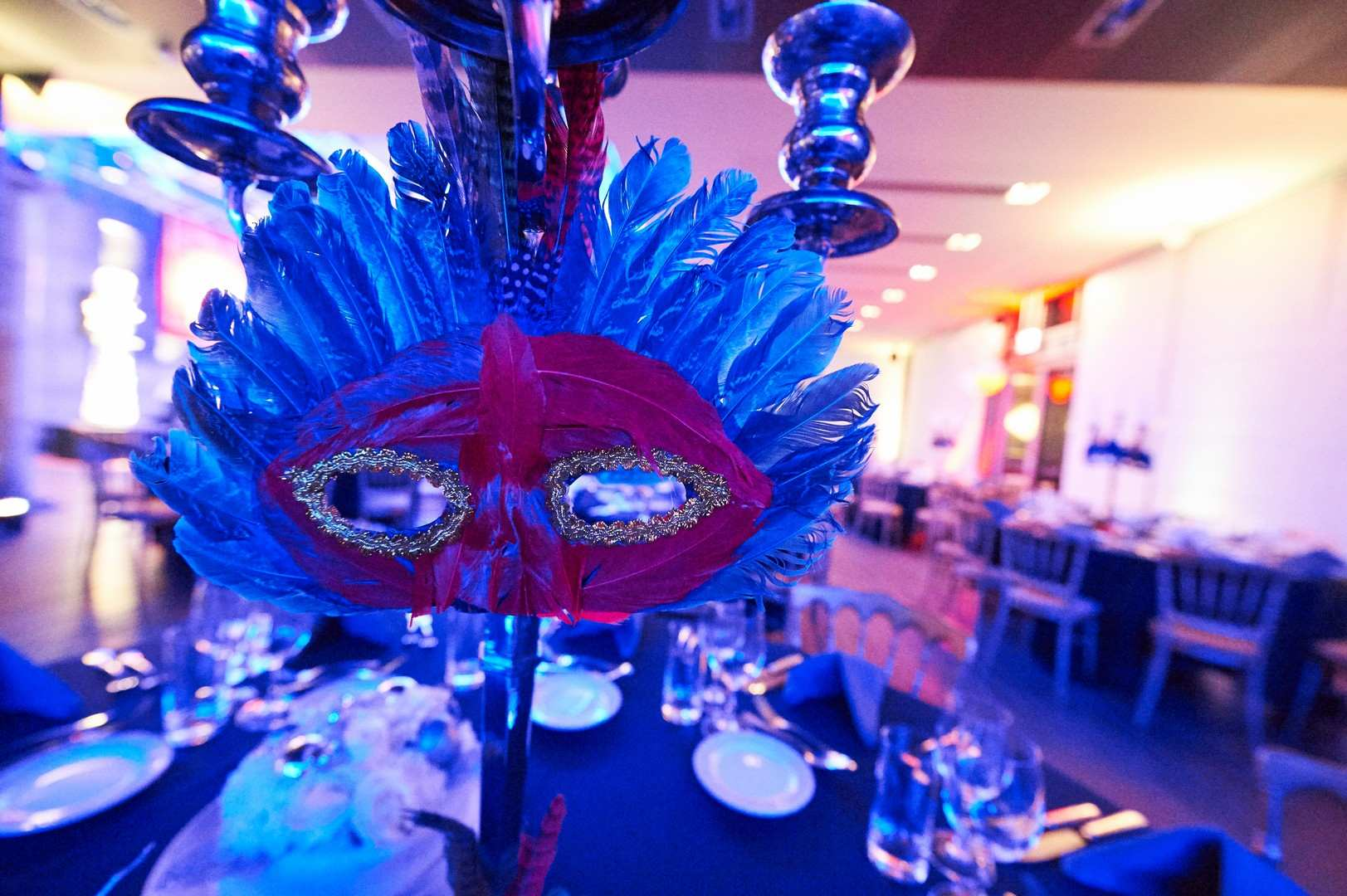 xmas-party-atoz-2015-table-décor-mystère-masque
