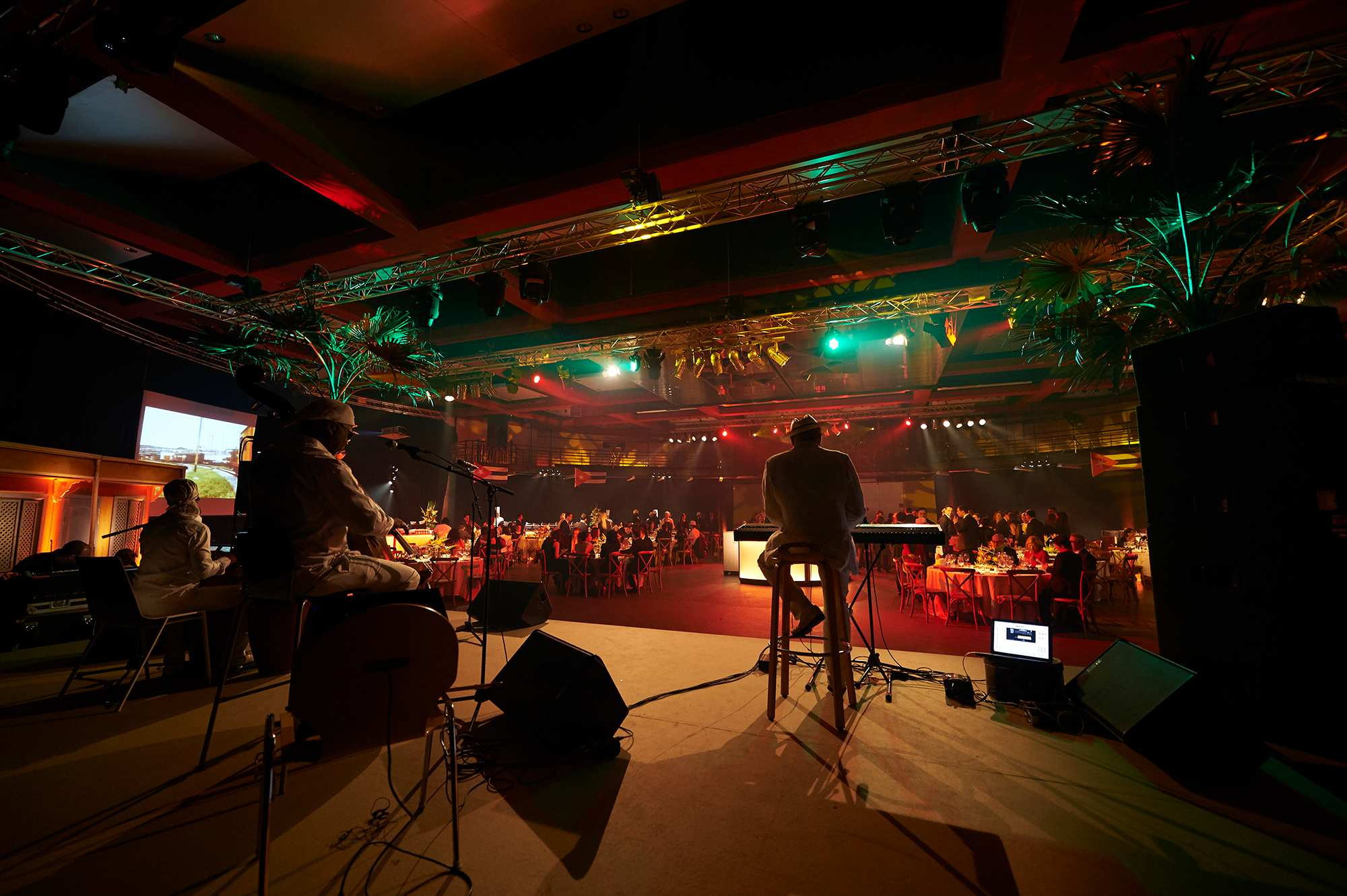 xmas-party-atoz-2016-036-luxembourg-event