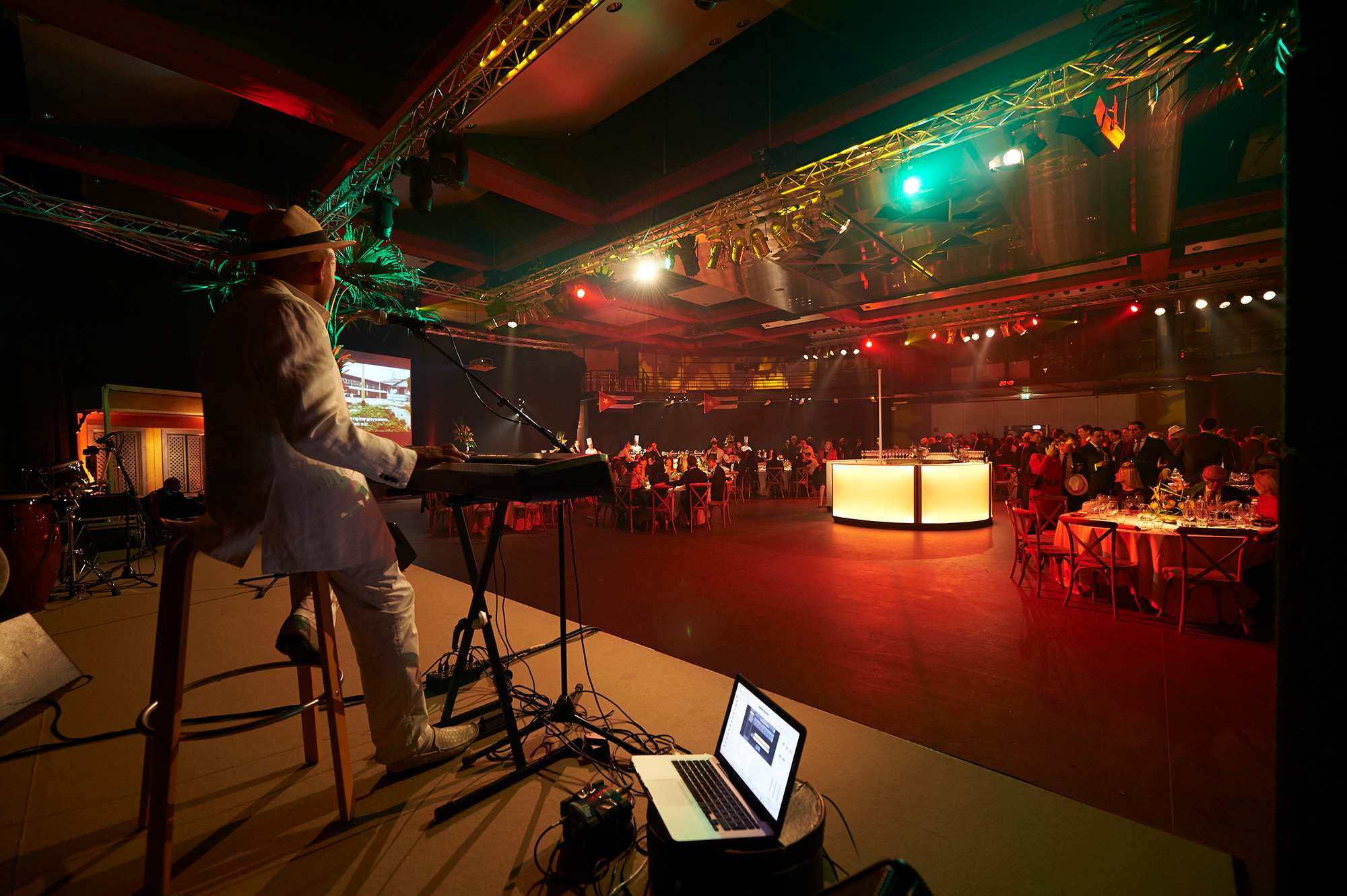 xmas-party-atoz-2016-037-luxembourg-event