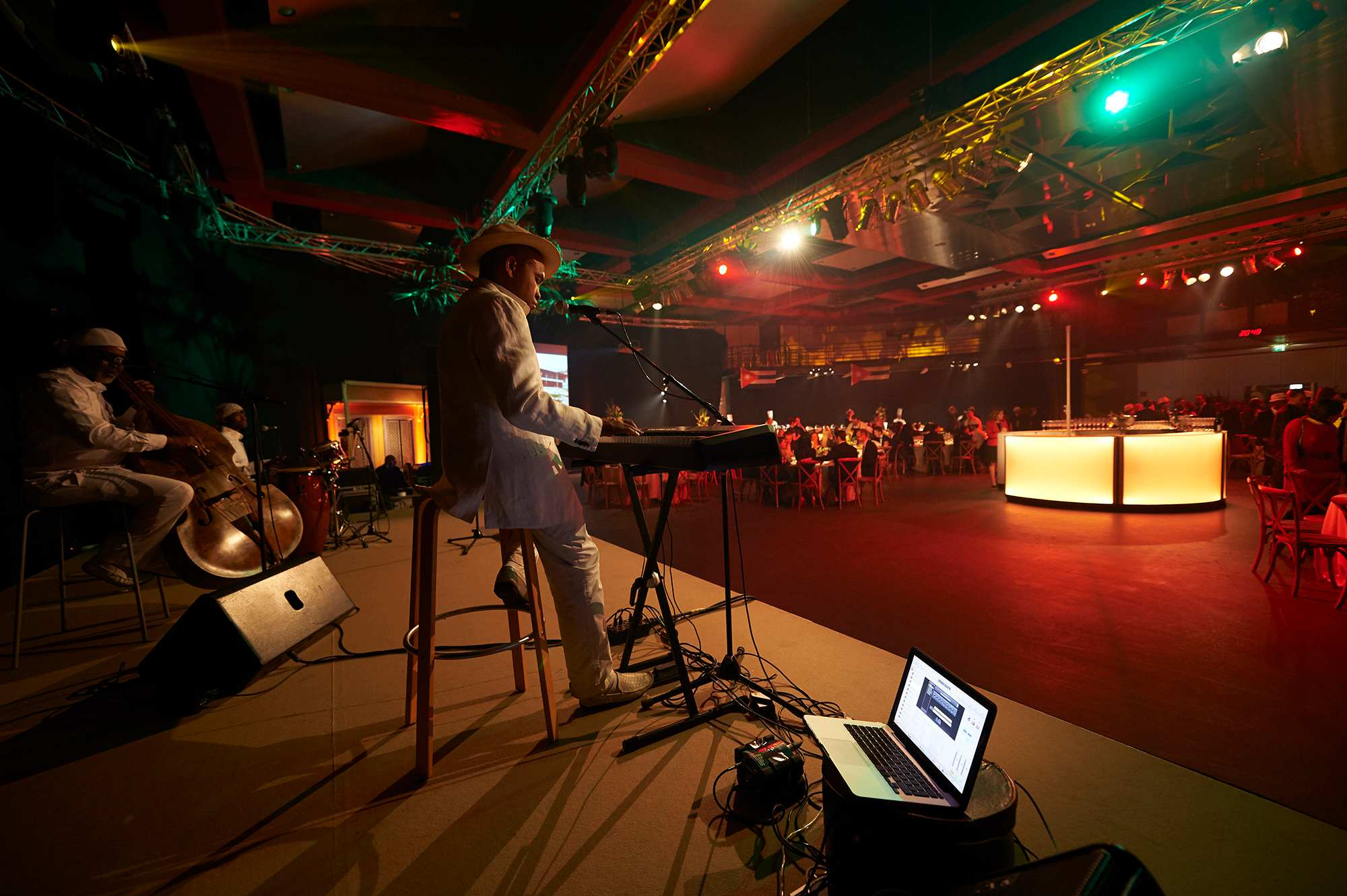 xmas-party-atoz-2016-038-luxembourg-event