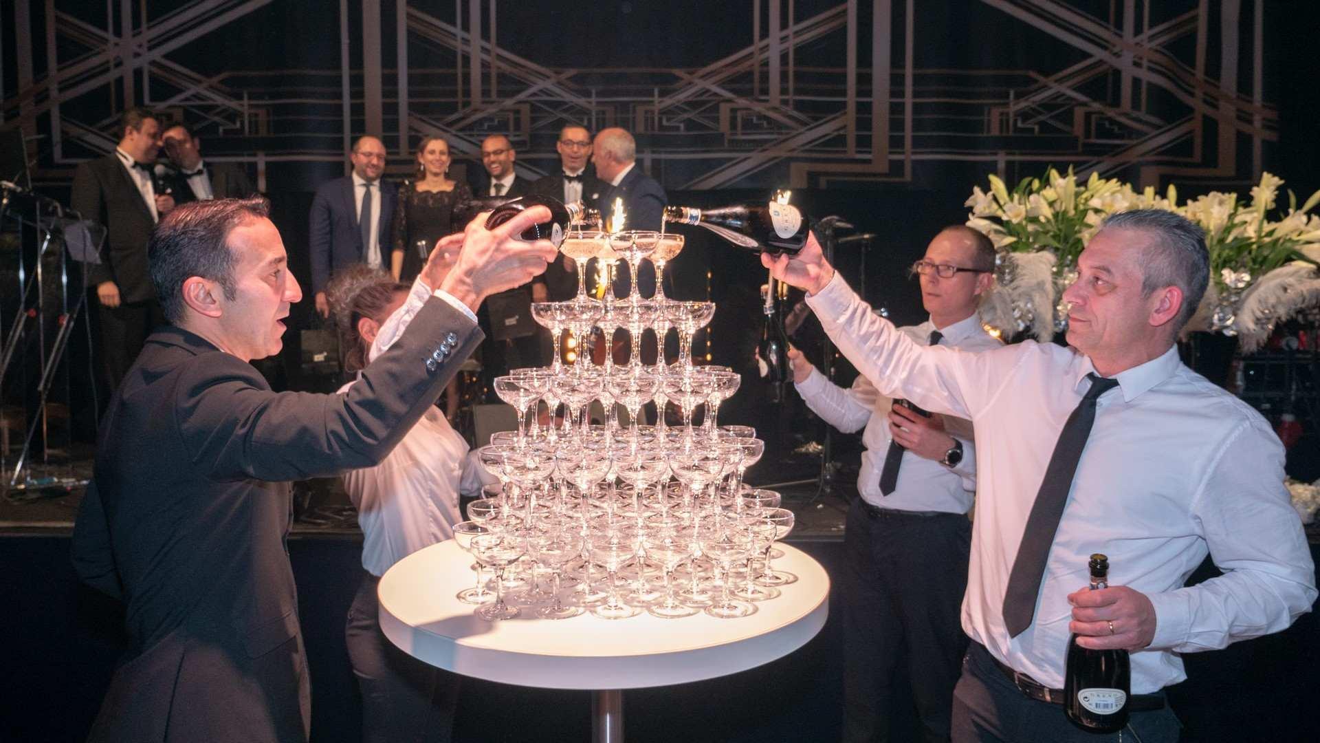 xmas-party-atoz-2018-champagne-decoration-carte-blanche