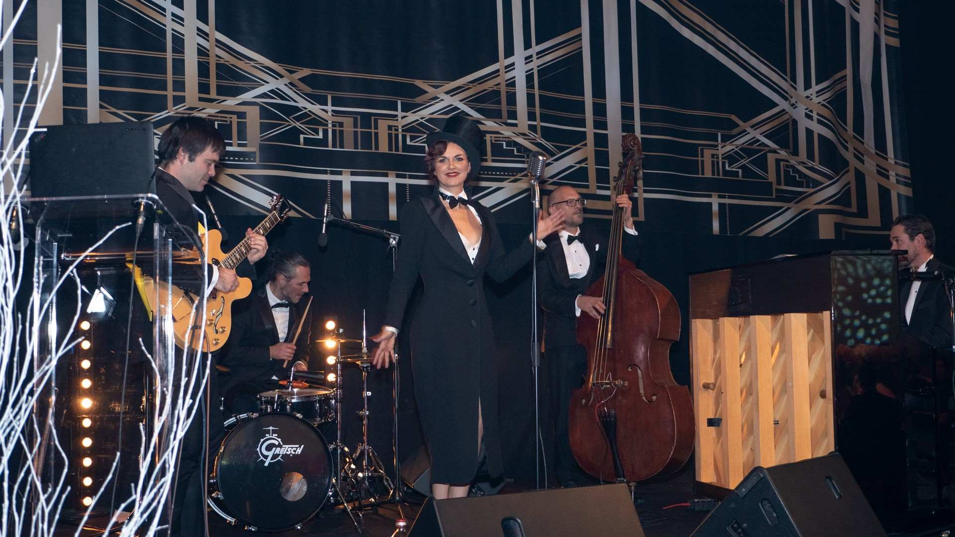 xmas-party-atoz-2018-show-gatsby-party-luxembourg